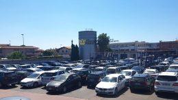 Parcheggi a Fiumicino - Una Soluzione Comoda per le Auto dei Viaggiatori.